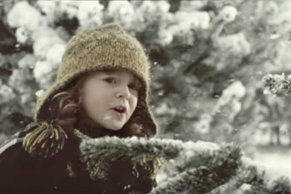 Vánoční reklama Kofola